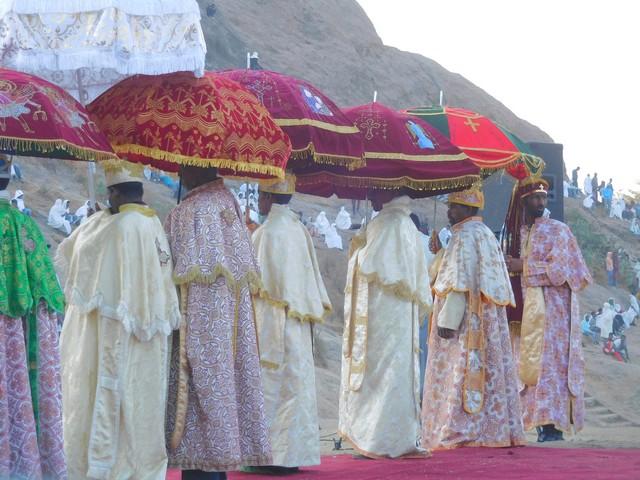 Procession de prêtres